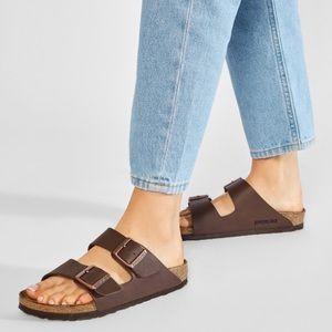 Birkenstock Arizona sandals. 🤎